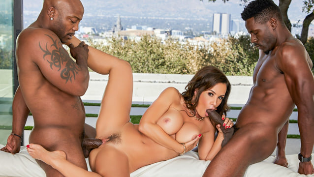 Black Pussy Eating Threesome